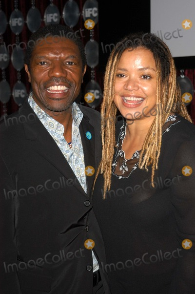 Kasi Lemmons Photo - Vondie Curtis Hall and wife Kasi Lemmons at the 2003 Independent Spirit Awards After-Party Pedals Restaurant at Shutters On The Beach Santa Monica CA 03-22-03
