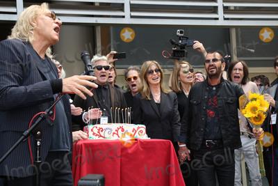 Joe Walsh Photo - Joe Walsh Ringo Starrat Ringo Starrs Birthday Fan Gathering Capitol Records Hollywood CA 07-07-15
