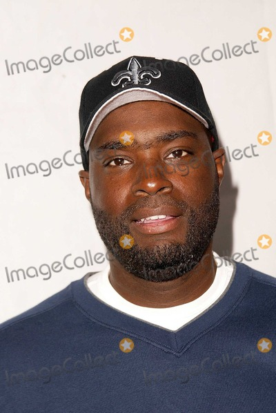 Antwone Fisher Photo - Antwone Fisher at Foster Care Learning To Look at Family in a New Way Avalon Hollywood CA 12-07-03