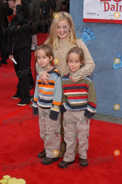 Madylin Sweeten Photo - Madylin Sweeten and brothers at the premiere of Disneys 101 Dalmatians II Patchs London Adventure at the El Capitan Theater Hollywood CA 01-11-03