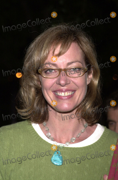 Allison Janney Photo -  Allison Janney at the premiere of Showtimes What Girls Learn at Paramount Studios 10-10-01