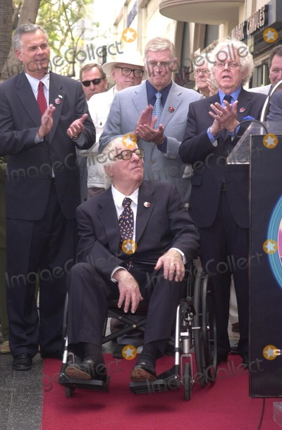 Ray Bradbury Photo - Applause for Ray Bradbury at the Star on the Walk of Fame ceremony 04-01-02
