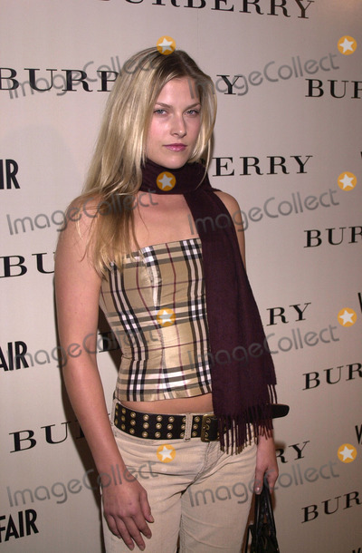 Ali Larter Photo -  Ali Larter at the grand opening of the Burberry Store in Beverly Hills to benefit the Shakespeare Festival LA 10-25-01