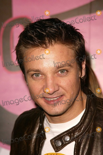 Jeremy Renner Photo - Jeremy Renner at Motorolas 5th Anniversary Party for Toys for Tots Private Location Culver City CA 12-05-03