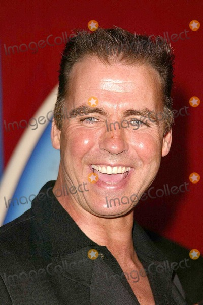 Jeff Fahey Photo - Jeff Fahey at the book launch for Stuart Colemans Eddie Would Go in Level 3 Hollywood and Highland Complex Hollywood CA 03-23-04