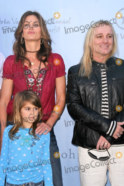 Robin Zander Photo - Cindy Crawford and daughter Kaya with Robin Zander at the John Varvatos 6th Annual Stewart House Benefit Presented by Converse John Varvatos Boutique Beverly Hills CA 03-09-08