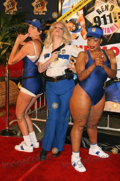 Wendi McLendon Covey Photo - Kerry Kenney-Silver with Wendi McLendon-Covey and Niecy Nashat the premiere of Reno 911 Miami Graumans Chinese Theatre Hollywood 02-15-07