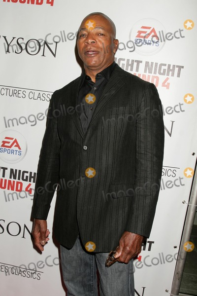 Carl Weathers Photo - Carl Weathers at the Los Angeles Premiere of Tyson Pacific Design Center West Hollywood CA 04-16-09