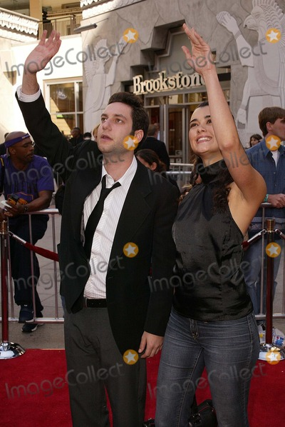 Adam Busch Photo - Adam Busch and date at the American Idol Grand Finale Kodak Theater Hollywood CA 05-26-04