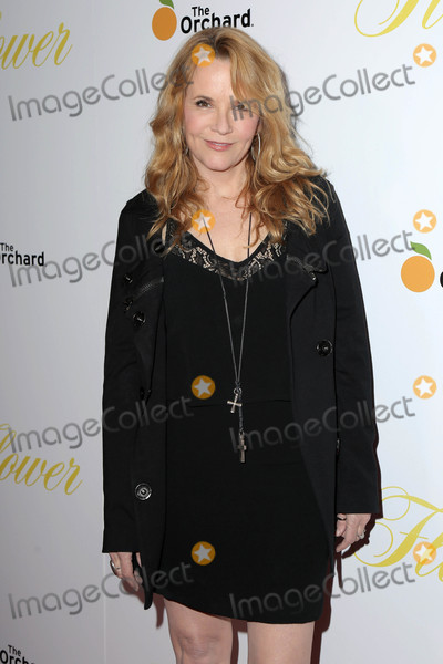 Lea Thompson Photo - Lea Thompsonat the Flower Premiere Arclight Hollywood CA 03-13-18