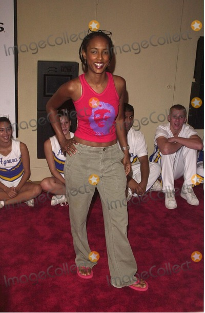 Trina McGee Davis Photo -  Trina McGee-Davis at the premiere of Bring It On in Westwood 08-22-00