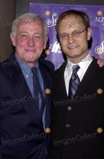 John Mahoney Photo - John Mahoney and David Hyde Pierce at the Alzheimers Associations 11th annual A Night at Sardis celebrity fundraiser and awards dinner Beverly Hilton Hotel Beverly Hills CA  02-26-03