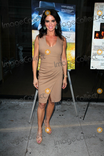 Betsy Russell Photo - Betsy Russellat the Fort McCoy Premiere Music Hall Theater Beverly Hills CA 08-15-14