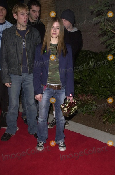 AVRIL LEVIGNE Photo - Avril Levigne at the 2002 Billboard Music Awards MGM Grand Arena Las Vegas NV 12-09-02