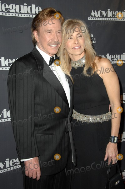 Chuck Norris Photo - Chuck Norris and wife Ginaat the 17th Annual Movieguide Faith and Values Awards Gala Beverly Hilton Hotel Beverly Hills CA 02-11-09