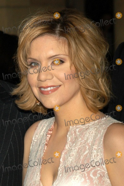 Alison Krauss Photo - Alison Krauss At a celebration of the words and music of Cold Mountain Royce Hall UCLA Los Angeles CA 12-08-03