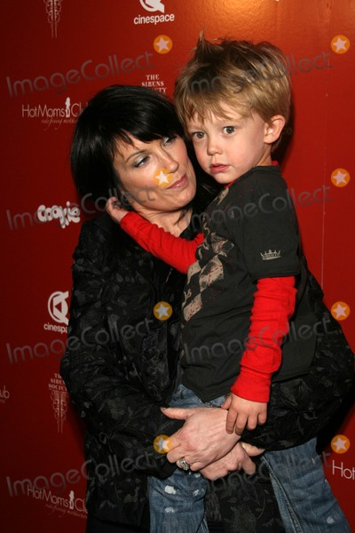 Meredith Brooks Photo - Meredith Brooks and son Troyat the Hot Moms Club Still Thankful Still Giving Charity Event Cinespace Hollywood CA 11-29-07