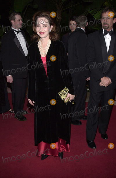 Annie Potts Photo -  ANNIE POTTS at the 2001 Costume Designers Guild Awards Beverly Hills Hotel 03-17-01