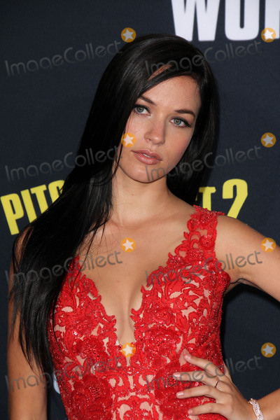 Alexis Knapp Photo - Alexis Knappat the Pitch Perfect 2 World Premiere Nokia Theater Los Angeles CA 05-08-15