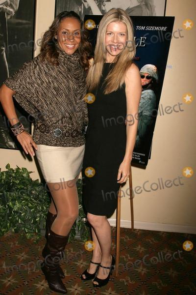 Kiki Haynes Photo - Kiki Haynes and Susan Duerden  at the Los Angeles Screening of Double Duty Raleigh Studios Los Angeles CA 12-13-08