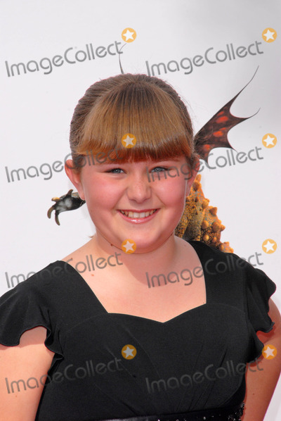 ADA-NICOLE SANGER Photo - Ada-nicole Sanger at the Los Angeles Premiere of How To Train Your Dragon Gibson Amphitheater Universal City CA 03-21-10