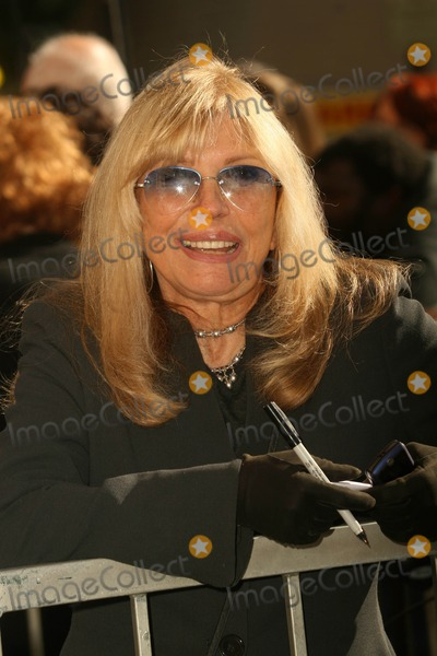 Suzanne Pleshette Photo - Nancy Sinatra at the Ceremony Posthumously Honoring Suzanne Pleshette with a star on the Hollywood Walk of Fame Hollywood Boulevard Hollywood CA 01-31-08