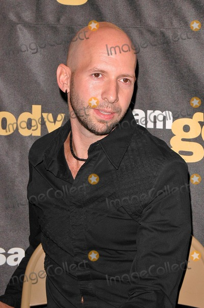 Neil Strauss Photo - Co-author Neil Strauss at Dave Navarros Appearance  Book Signing of Dont Try This At Home at Sam GoodyMusicland at Universal CityWalk Universal City CA 10-12-04
