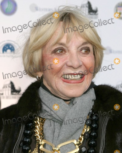 Beverly Garland Photo - Beverly GarlandGriffith Park Observatory Re-Opening GalaLos Angeles CAOctober  29 2006