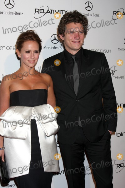Alex Beh Photo - LOS ANGELES - JAN 15  Jennifer Love Hewitt Alex Beh arrives at the Art Of Elysium Heaven Gala 2011 at The California Science Center Exposition Park  on January 15 2011 in Los Angeles CA