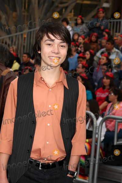 Noah Ringer Photo - LOS ANGELES - MAY 7  Noah Ringer arriving at the Pirates of The Caribbean On Stranger Tides World Premiere at Disneyland on May 7 2011 in Anaheim CA