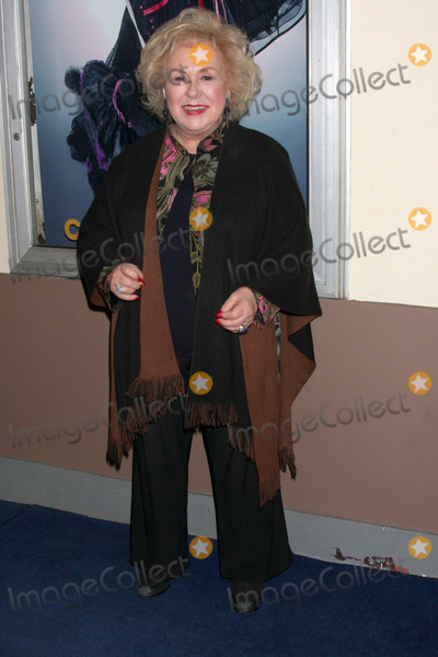Ethel Merman Photo - LOS ANGELES - FEB 17  Doris Roberts arrives at the Opening of Ethel Mermans Broadway at El Portal Theater on February 17 2011 in No Hollywood CA