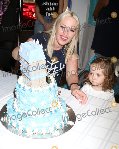 Adrienne Frantz Photo - LOS ANGELES - NOV 26  Adrienne Frantz Amelie Bailey at the Amelie Bailey 2nd Birthday Party at Private Residence on November 26 2017 in Studio City CA