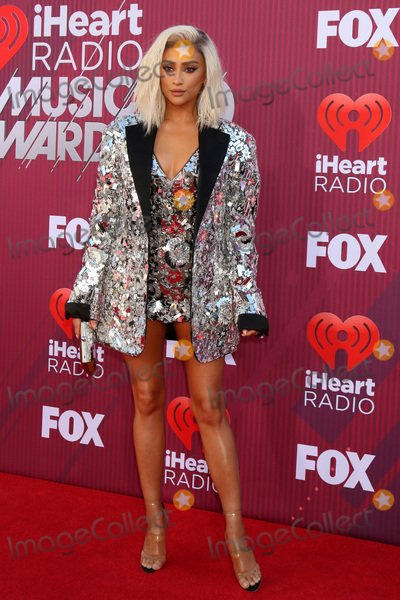 Shay Mitchel Photo - LOS ANGELES - MAR 14  Shay Mitchell at the iHeart Radio Music Awards - Arrivals at the Microsoft Theater on March 14 2019 in Los Angeles CA