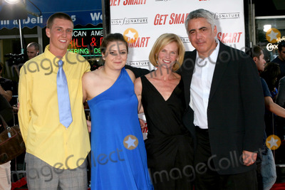 Adam Arkin Photo - Adam Arkin  Family  arriving at the Premiere of Get Smart  at Manns Village Theater in Westwood CAJune 16 2008