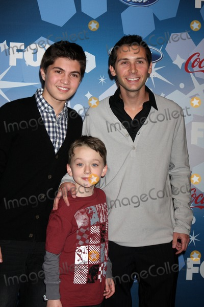 Justin Berfield Photo - Matthew Levy Benjamin Stockham Justin Berfieldarriving at the American Idol Top 12 Party for Season 9Industry ClubLos Angeles CAMarch 11 2010