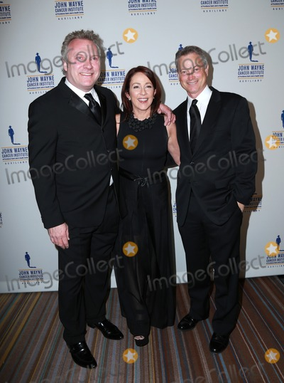 David Hunt Photo - LOS ANGELES - FEB 11  David Hunt Patricia Heaton Gary Sinise at the 30th Annual John Wayne Odyssey Ball at the Beverly Wilshire Hotel on April 11 2015 in Beverly Hills CA