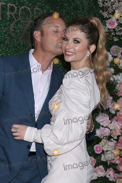 Chris Harrison Photo - LOS ANGELES - MAR 11  Chris Harrison and Lauren Zima at the Seagrams Escapes Tropical Rose Launch Party at the hClub on March 11 2020 in Los Angeles CA
