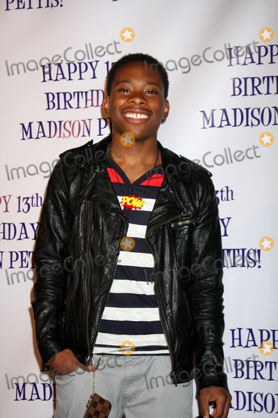 Carlon Jeffery Photo - LOS ANGELES - JUL 31  Carlon Jeffery arriving at the13th Birthday Party for Madison Pettis at Eden on July 31 2011 in Los Angeles CA