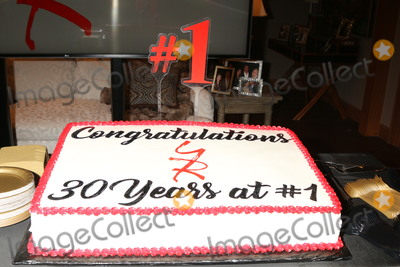 Cake Photo - LOS ANGELES - JAN 17  YnR Cake 30 Years at No 1 at the Young and the Restless Celebrates 30 Years at 1 at the CBS Television CIty on January 17 2019 in Los Angeles CA