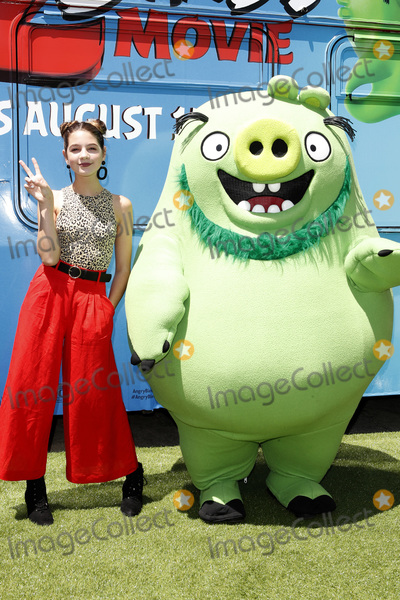 Angry Bird Photo - LOS ANGELES - AUG 10  Annie Rose at the The Angry Birds Movie 2 at the Village Theater on August 10 2019 in Westwood CA