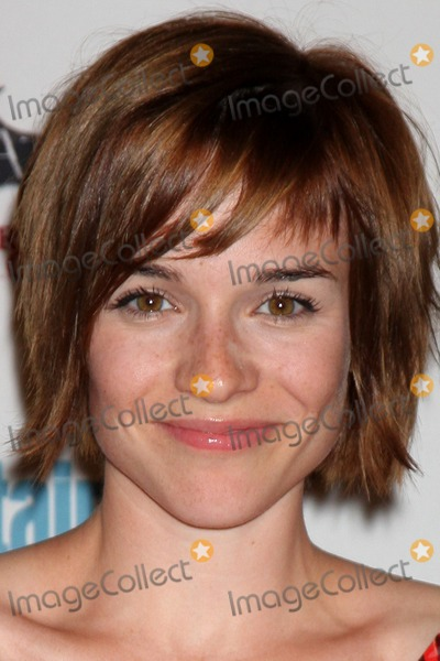 Renee-Felice Smith Photo - LOS ANGELES - JUL 23  Renee Felice Smith arriving at the EW Comic-con Party 2011 at EW Comic-con Party 2011 on July 23 2011 in Los Angeles CA