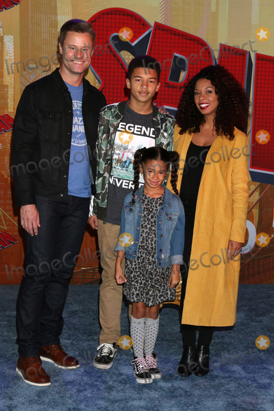 Angel Parker Photo - LOS ANGELES - DEC 1  Angel Parker family at the Spider-Man  Into the Spider-Verse Premiere at the Village Theater on December 1 2018 in Westwood CA