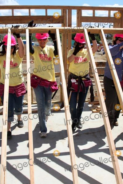 Arianne Zucker Photo - Arianne Zucker  Crystal Chappellat the Habitat For Humanity San FernandoSanta Clarita  Valleys Women Empowerment Building Site - TV  Soap StarsHabitat for Humanity build site 12600 Carl StPacoima CAMay 23 2010
