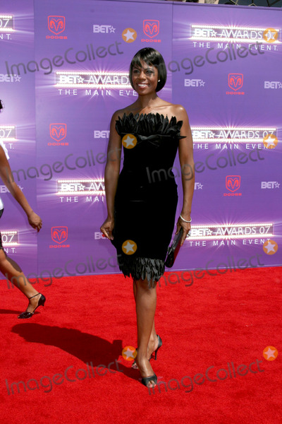Omarosa Photo - OmarosaBET Awards 2007Shrine AuditoriumLos Angeles CAJune 26 2007
