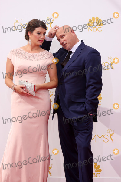 Tom Colicchio Photo - LOS ANGELES - AUG 25  Gail Simmons Tom Colicchio at the 2014 Primetime Emmy Awards - Arrivals at Nokia at LA Live on August 25 2014 in Los Angeles CA