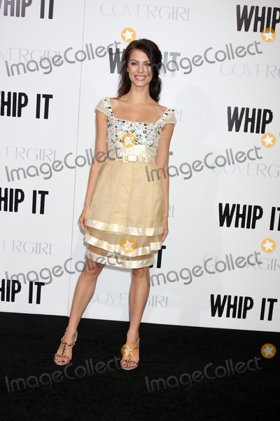 Julia Voth Photo - Julia Votharriving at the Whip It PremiereGraumans Chinese TheaterLos Angeles  CASeptember 29 2009
