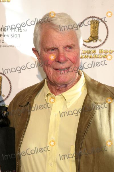 Peter Graves Photo - Peter GravesGolden Boot AwardsBeverly Hilton HotelBeverly Hills CAAugust 12 2006