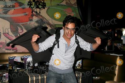 Kunal Nayyar Photo - Kunal NayyarGBK MTV Movie Awards Gifting Suites Crimson  OperaLos Angeles  CAMay 31 2008