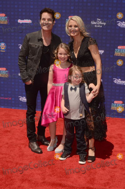 Patrick Monahan Photo - LOS ANGELES - APR 29  Patrick Monahan family at the 2017 Radio Disney Music Awards at the Microsoft Theater on April 29 2017 in Los Angeles CA