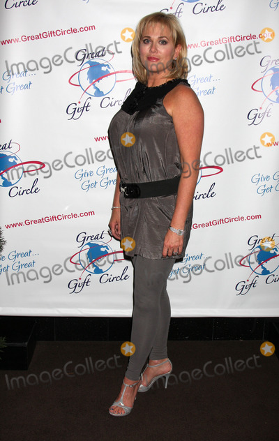 Tonja Walker Photo - Tonja Walkerat the GreatGiftCirclecom Launch PartyThird  Olive ResturantBurbank CAApril 29 2010